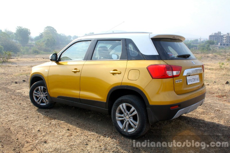 suzuki-vitara-brezza-se-co-them-tuy-chon-dong-co-xang